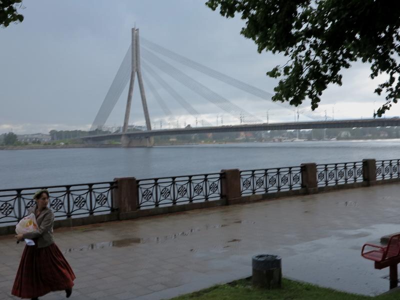01 - Il ponte di Vansu sul fiume Daugava a Riga