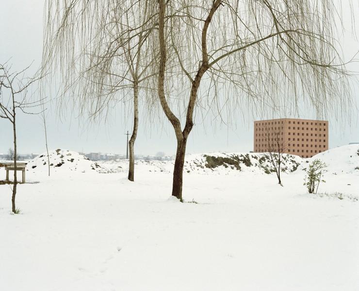 20_LuigiGhirri_Modena_1985 Cimitero Aldo Rossi-ffe0d64ea8