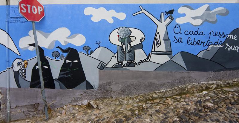 uno dei tanti murales della Barbagia. Qui siamo ad Orgosolo (NU).