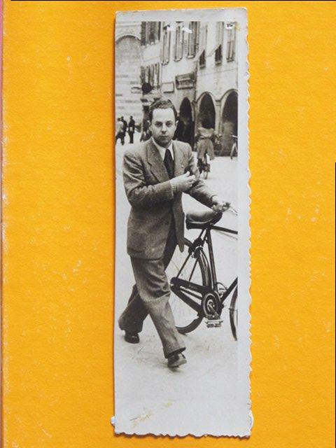 Menon nel maggio 1942 con la Bianchi nera