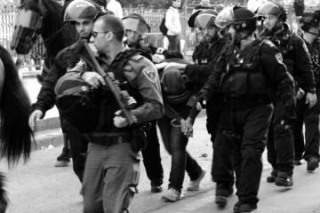 Arresto di un giovane palestinese alla Porta di Damasco