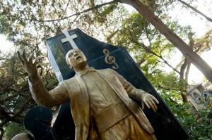 La statura dorata di Telahune Gessasse