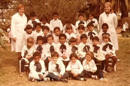 Sergio con la sua classe elementare. Seduto in basso, il secondo da sinistra