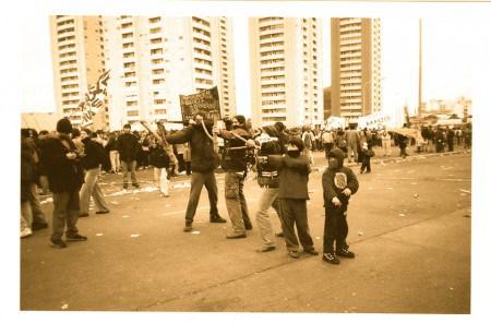 Manifestazione di protesta contro il default argentino del duemila
