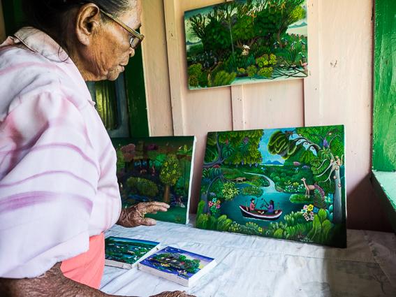 I 75 anni di Elva, la prima pittrice delle isole