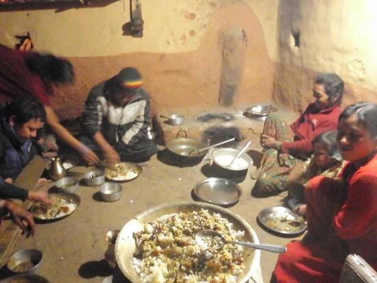Il pasto della famiglia Lama