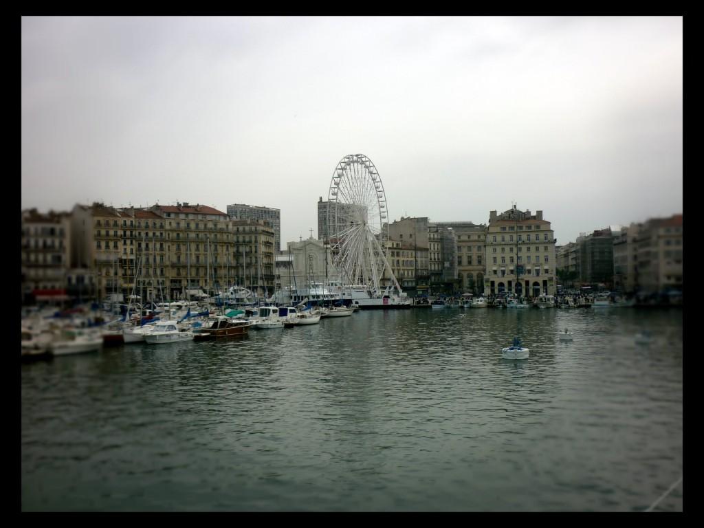 Vista dal mare sul Porto