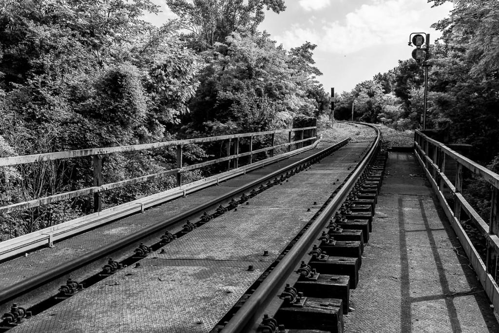 3.Piccolo ponte ferroviario in uscita dalla stazione di Budoia