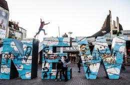 Il monumento New Born a Prishtina