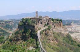 Bagnoregio_civita_panorama
