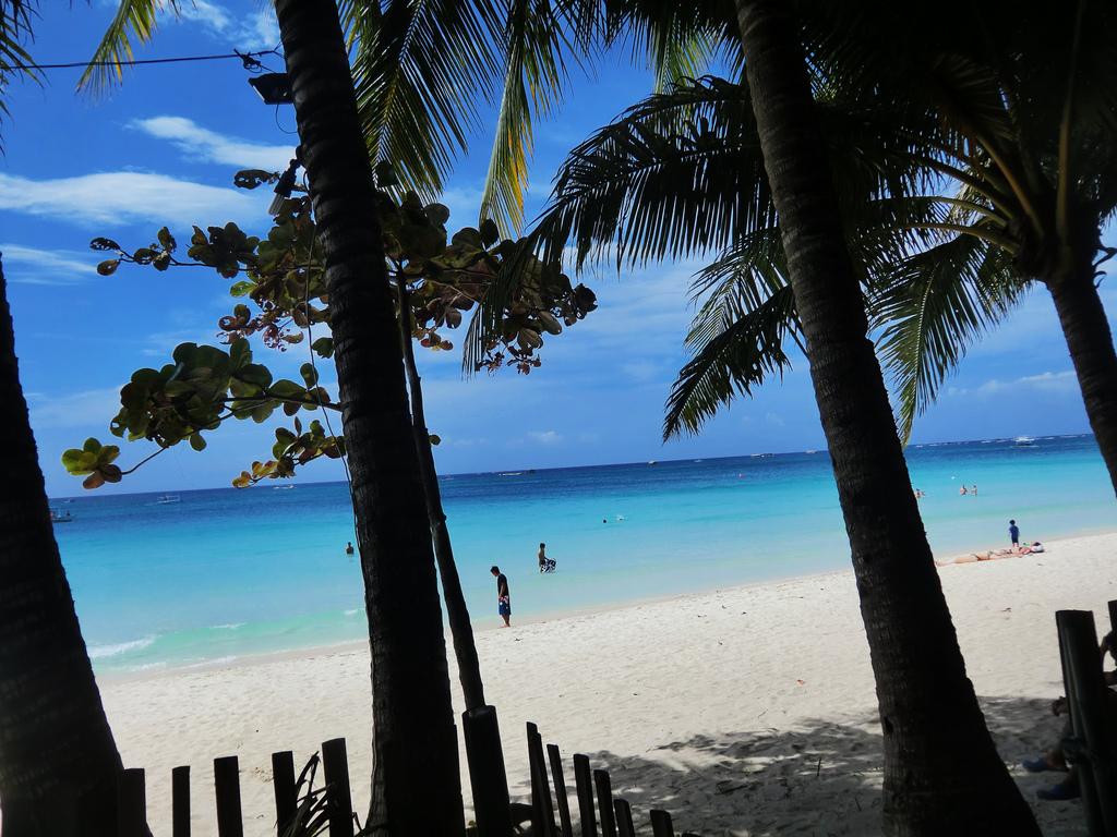 I bellissimi coloroi del mare di Boracay. Foto: Tropical Experience Travel Services.