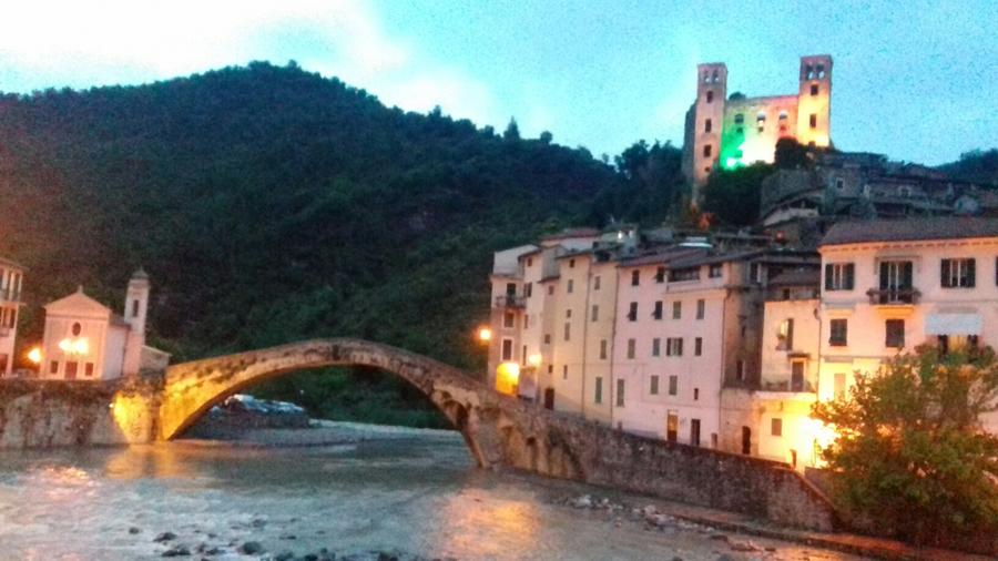 Dolceacqua - Ponte vecchio, veduta